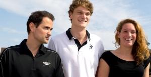 de gauche à droite : Pellerin, Agnel et Muffat